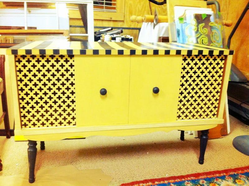 upcycled desk ideas, upcycling, paint, wood, upcycle,